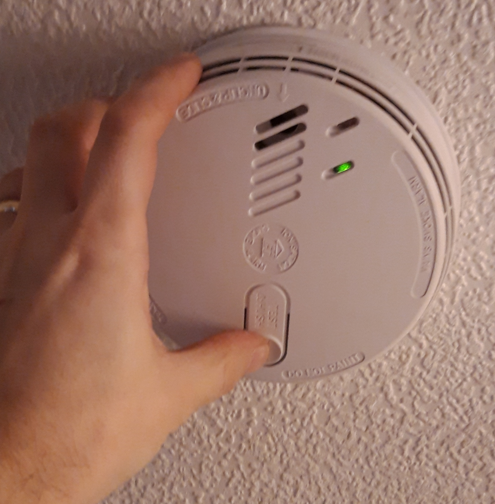 electrician to install a smoke detector